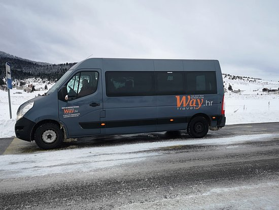 Kupres, Bośnia i Hercegowina: Mini bus Renault Master 16+1