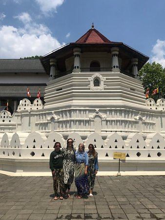 Royal Island Tours: Kandy