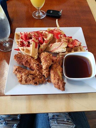 Freddie's Chicken N Waffles