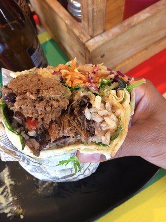 Caribe Latin Kitchen: Burrito