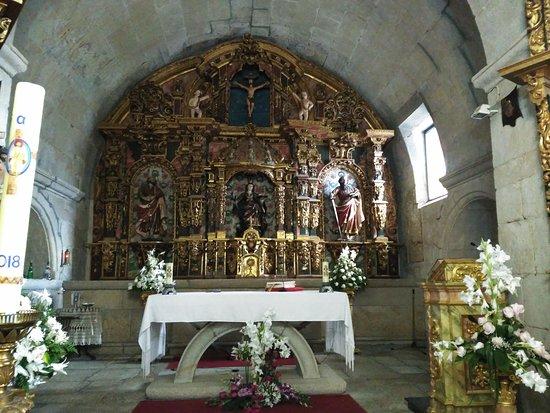 Igrexa de Sta Baia de Mos