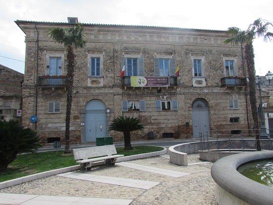 Casalbordino, Italia: Palazzo Magnarapa