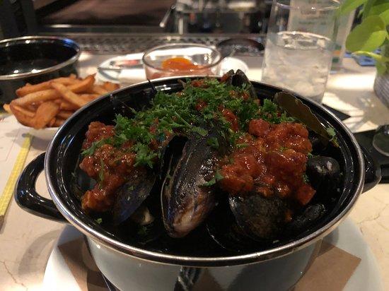Convivial: Mussels. w/ Chorizo