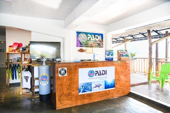帕劳海洋潜水中心