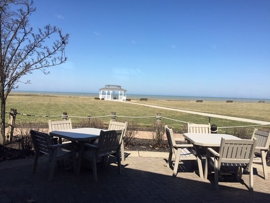 Horizons Restaurant & Lounge: View of Lake Erie from Horizons at The Lodge at Geneva