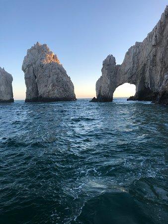 Cabo San Lucas - Visserijcharter - 60 voet Bertram - Blauwe zee: Cabo Sunset