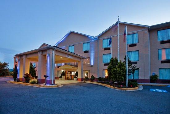 Holiday Inn Express Hiawassee