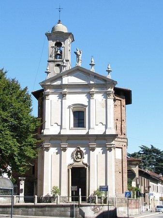 Legnano, Italy: La Madonnina esterno