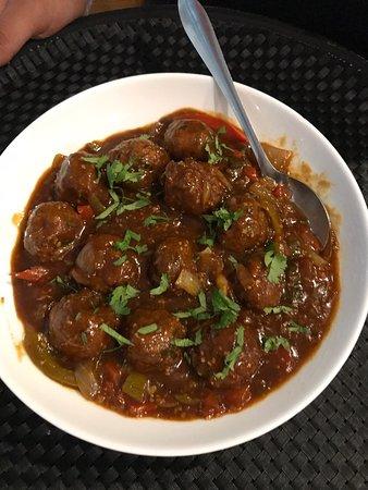 Freshly made Mancirian and garlic naan