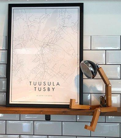 Tuusula, Finland: Hauskat Mr.Wattson valaisimet ja kaupunkijulisteet www.somialiving.fi