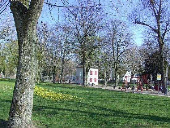Emmerich, เยอรมนี: Im Rheinpark.