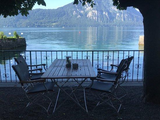 Idyllic hotel on the shore of Lake Lucerne
