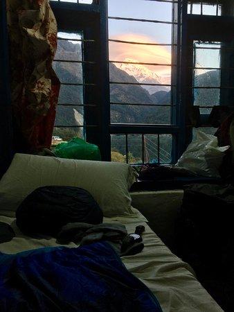 My Hotel: Auf dem Treck: Himalaya-Ausblick vom Bett aus (dank Guide)