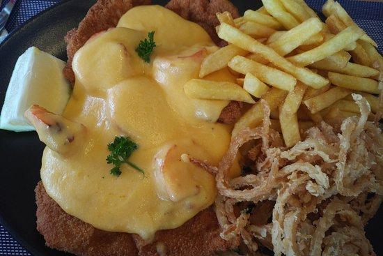 Chicken schnitzel with prawns