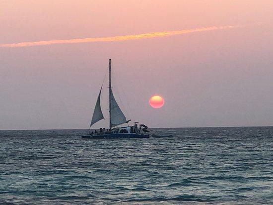Aruba Happy Hour Sunset Sail with Food and Drinks Φωτογραφία