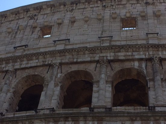 English Guided tour in Colosseum and Palatine Hill with access to Roman Forum: outside the Colosseum
