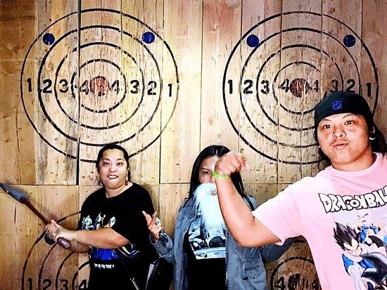 Blade & Timber Axe Throwing - Honolulu