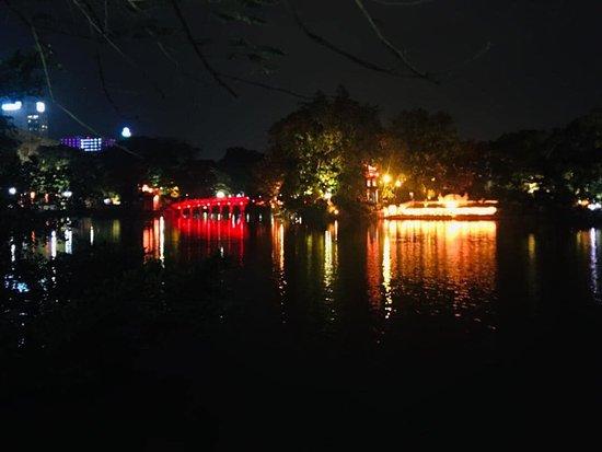 Hoan Kiem Lake Walking Street