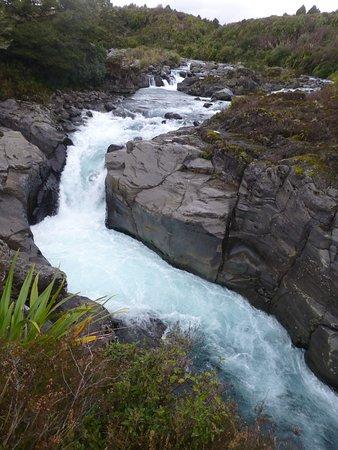 Whakapapa, New Zealand: View of the Mahuia Rapids on State Highway 47