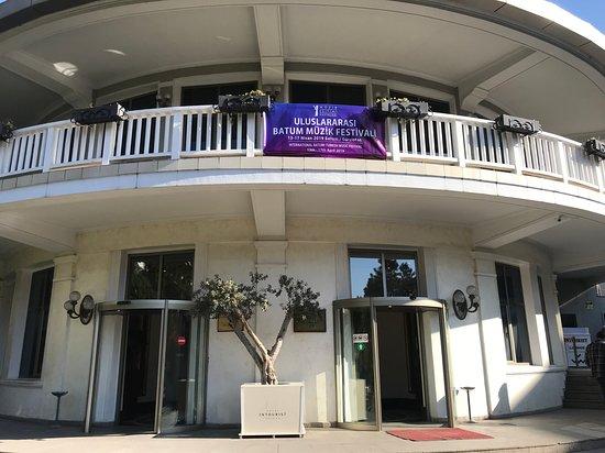 Intourist Palace Hotel & Casino