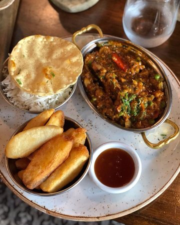 Favourite thing about Monday?  Argy Bhaji Curry Night at The Scene by Simon Rimmer Abu Dhabi🙌🏼