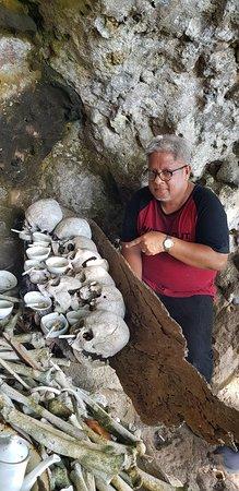 North Sulawesi, Indonesia: Makam delapan di pulau makehi, siau