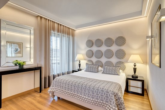 walking distance to the acropolis review of divani. Black Bedroom Furniture Sets. Home Design Ideas