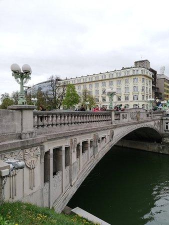 Foto De Puente De Los Dragones Liubliana Dragon Bridge Ljubljana