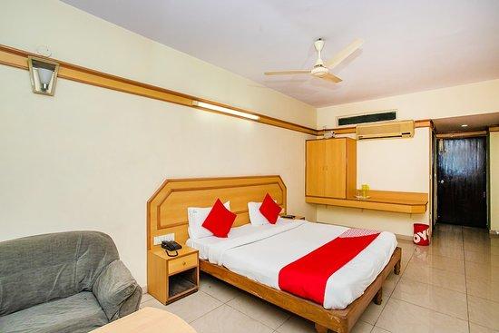 OYO 649 Hotel Ajantha Trinity Inn