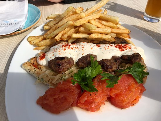 Thalami: burger with pita, nice with donkey beer!