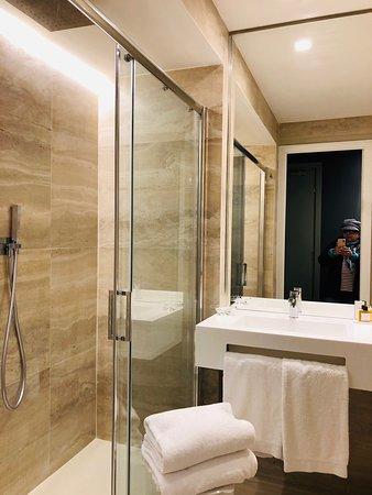 Nossa estádia por 5 noites na Piazza Beberini nesse hotel italiano super bem localizado!!!