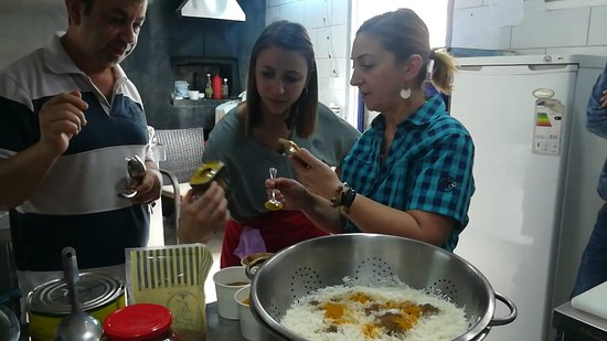 "Cooking Lesson in Zamurd restaurant ""Makloba"""