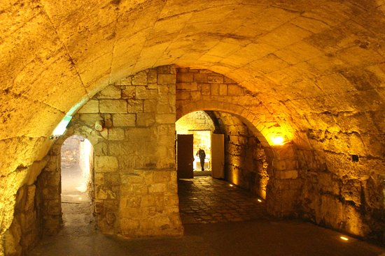 ‪The Western Wall Tunnels‬