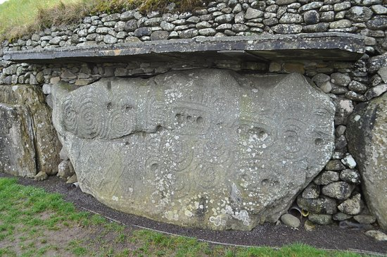 Boyne Valley Tours: Carved stone at Newgrange.