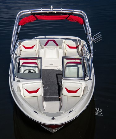 Modern Boat Rental