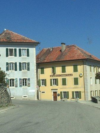 Provence Vaud Café du village 2019.