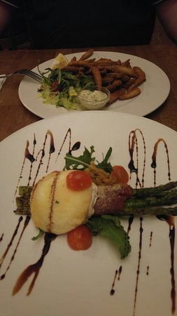 Whitebait and an asparagus/goats cheese entree