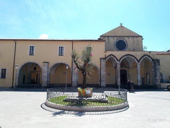 Chiesa e Chiostro di San Francesco D'Assisi