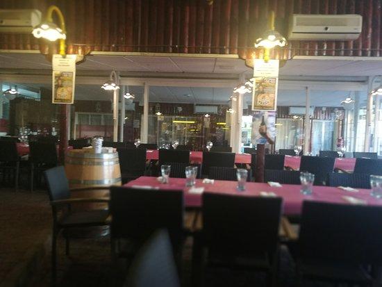 Bar Terraza M 50 Santa Maria La Real De Nieva Restaurant