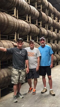 Punta Gorda, Belice: The Barrel Room at Copal Tree Distillery
