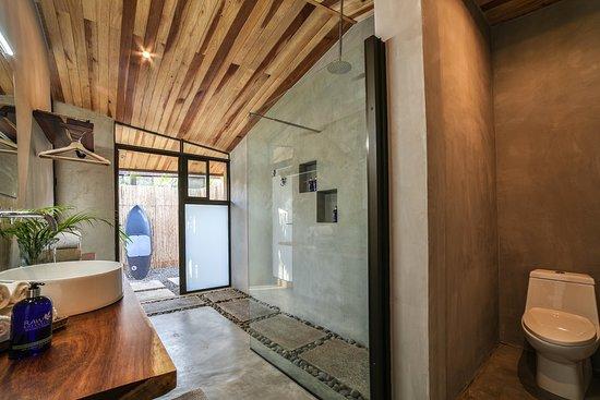 Villa Kai bathroom