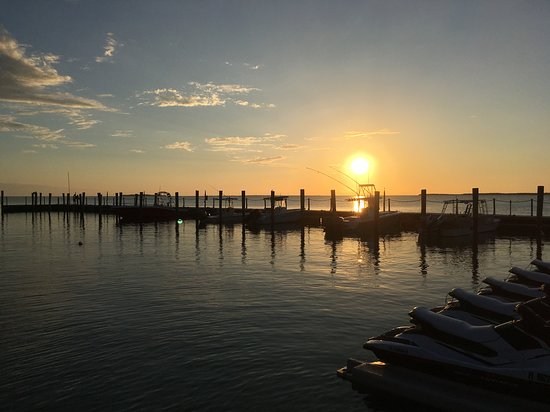 Baker's Cay Resort Key Largo, Curio Collection by Hilton: Amazing sunsets from the beach