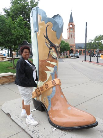 Cheyenne Big Boots: Standing by the Boot
