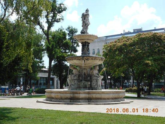 Elizabeth Square
