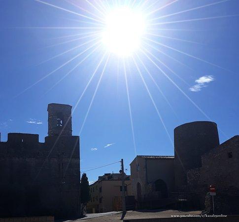 Luz de Vilasacra - Picture of Vila-sacra, Province of Girona - Tripadvisor
