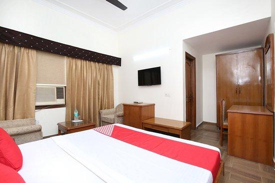 Window View - Picture of OYO 16376 Hotel Paras, Mohali - Tripadvisor
