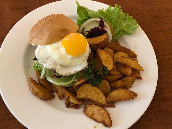 The Sun Hotel & Spa: The Sun Beef Burger IDR90,750 nett