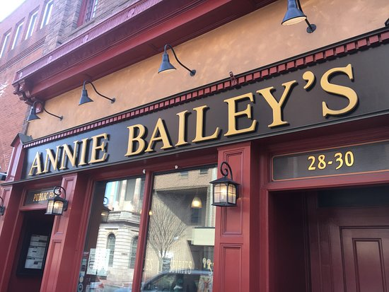Annie Bailey's Irish Pub & Restaurant