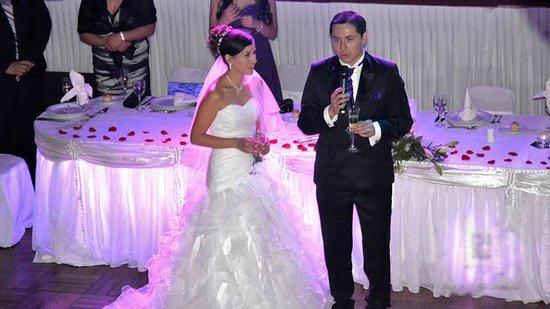 Centro de eventos, fiesta de empresa, matrimonio, graduaciones, cenas familiares, cumpleaños y ferias.