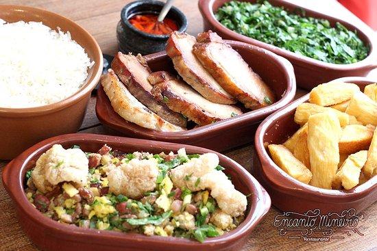 Uberaba - Prato para 2 a 3 pessoas. Acompanhamentos: Lombo Assado, feijão tropeiro, mandioca, couve e arroz.